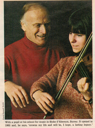 Photograph of Yehudi Menuhin with Susie Mészáros pictured for an Observer magazine article on the Menuhin School (1970s)